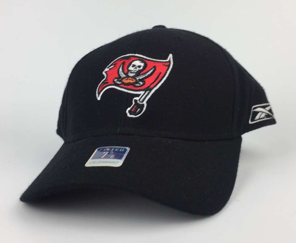 Tampa Bay Buccaneers Reebok Home CAP fitted