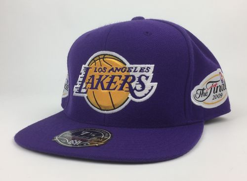 Los Angeles Lakers Back-To-Back NBA Champs 09/10 Mitchell&Ness Fitted Cap